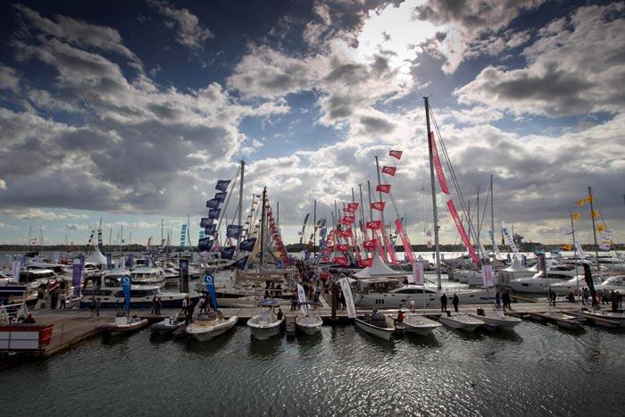azimut southampton yacht show