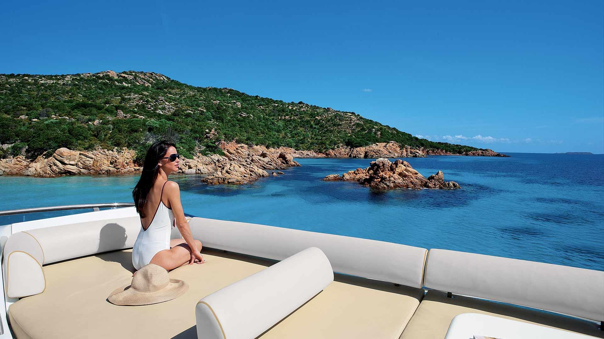 Azimut Yacht Wife on yachts